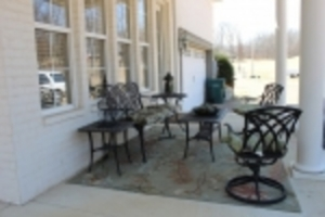 Smith U.S. Bankruptcy - Patio / Outdoor Decor / Shop Items