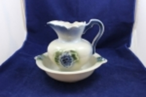 Antiques, Collectibles, Pottery, Glass, etc....