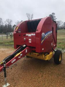 2018 New Holland Roll Belt 450 Utility Baler