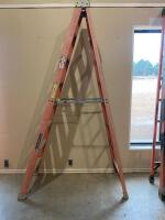 Louisville 8 foot Step Ladder - 3