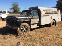 1976 Ford F700 Truck