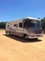 2004 Ford Ultra Supreme by Gulfstream Motorcoach RV, 45 FT