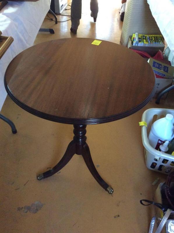 Lot 580 Of 398: Duncan Phyfe Mahogany Round Side Table